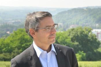 Vincent Chriqui novembre 2016 Vincent chriqui, maire de Bourgoin-Jallieu, au micro de Thierry Borde dans Espace Public en novembre 2016