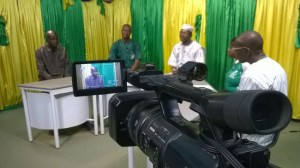 Enregistrement d'une émission à la télévision publique à Bobo Dioulasso. Animateur : Abdoulaye Ouattara
